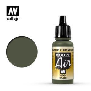 Model Air Acrylic Color Medium Olive